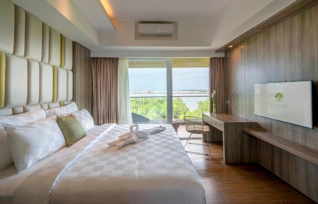 The Crystal Luxury Bay Resort Индонезия цены