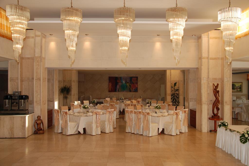 Mediteran Becici Hotel, Черногория, Бечичи