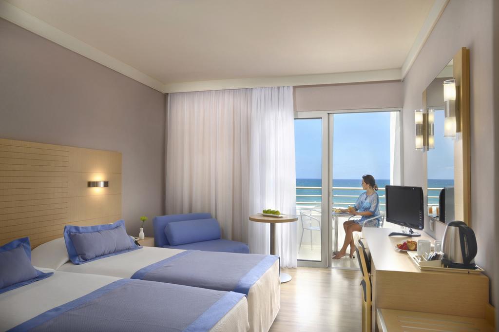 Louis Ledra Beach Hotel, Пафос, Кипр, фотографии туров