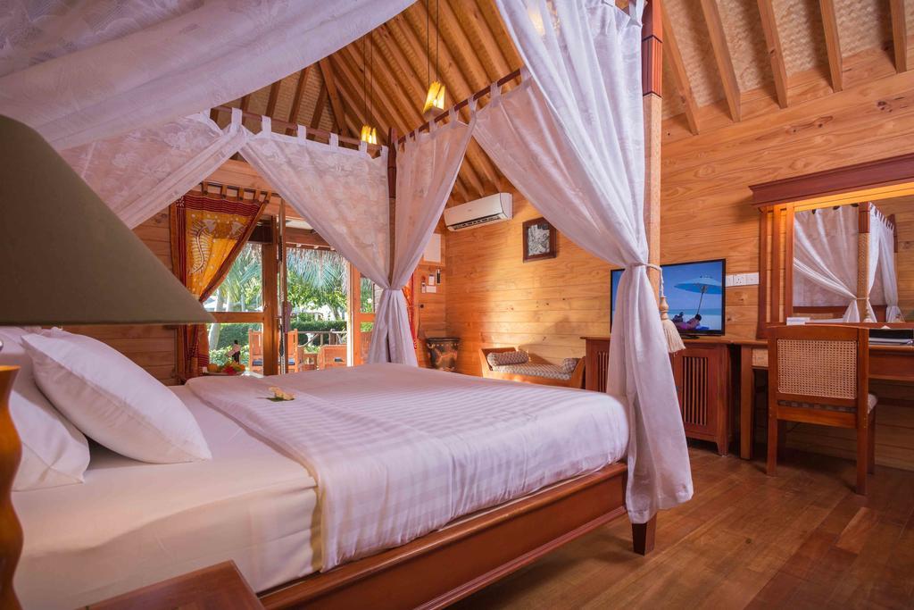 Горящие туры в отель Bandos Island Resort And Spa Северный Мале Атолл