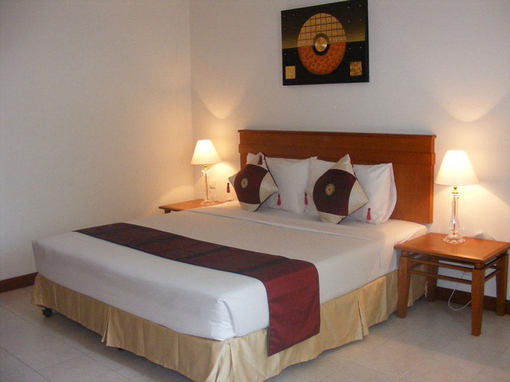 Горящие туры в отель Crown Pattaya Hotel Паттайя