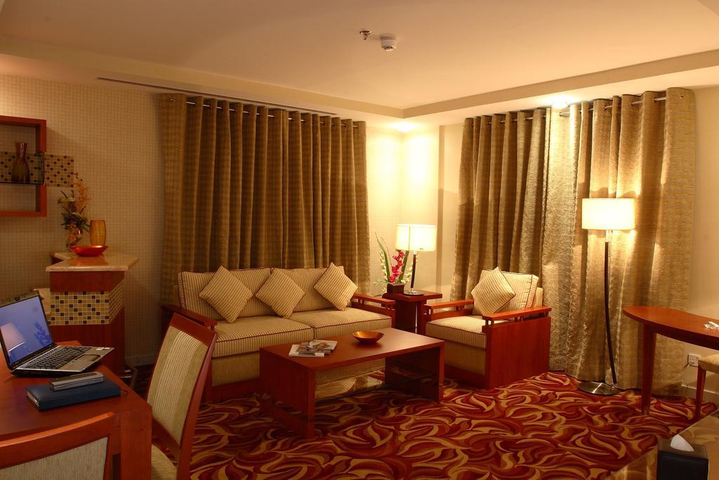 Отдых в отеле Grand Central Hotel Dubai