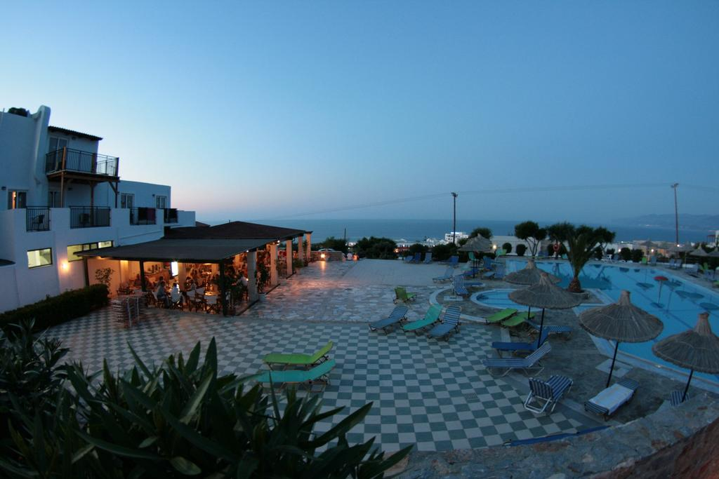 Горящие туры в отель Semiramis Village Hotel