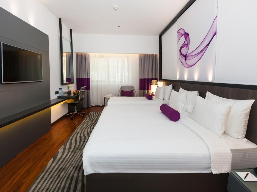 Дубай (місто), Flora Grand Hotel, 4
