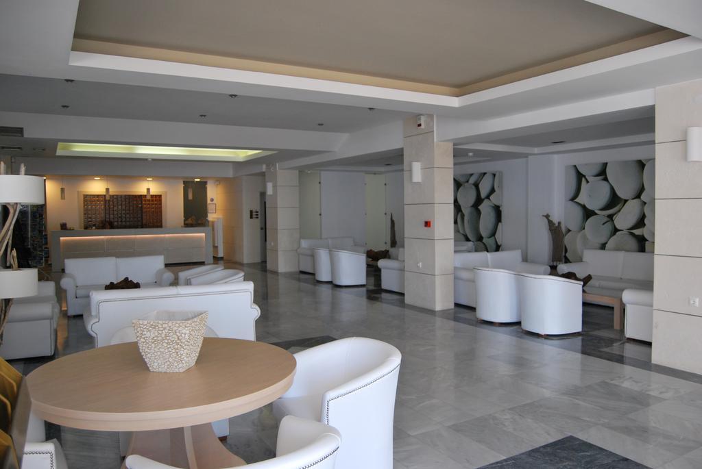 Отдых в отеле Semiramis Village Hotel