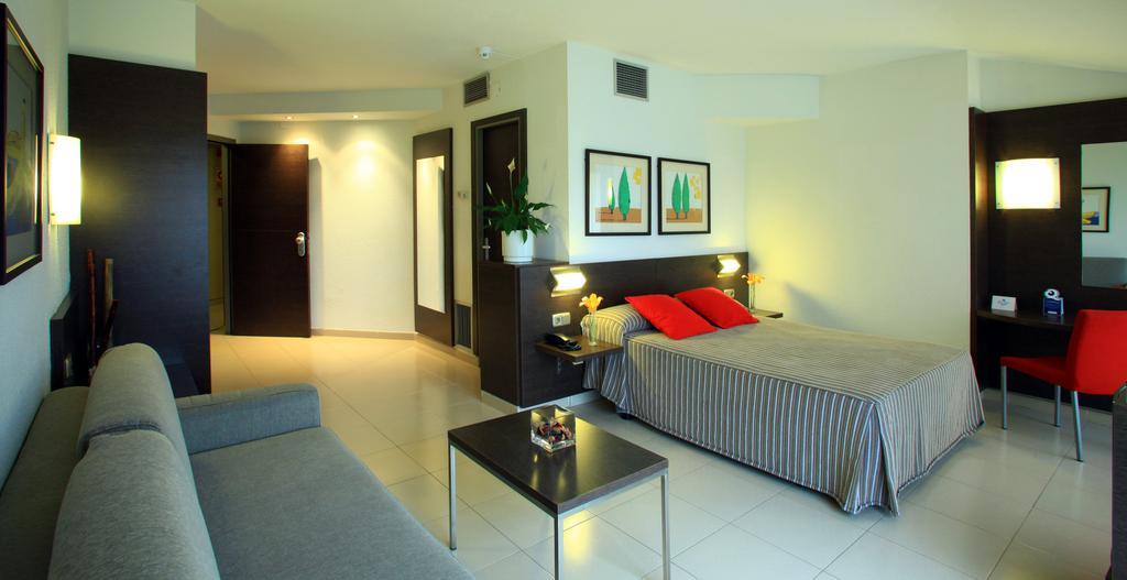Туры в отель Aqua Hotel Montagut