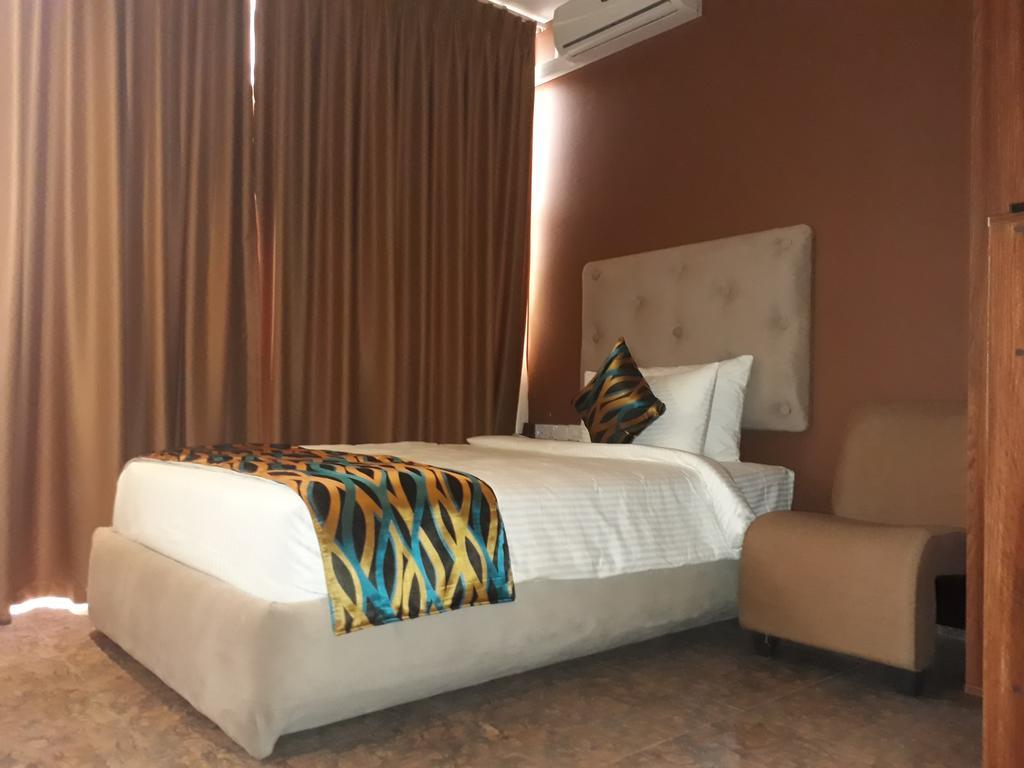 Горящие туры в отель Ocean Queen Ваддува Шри-Ланка