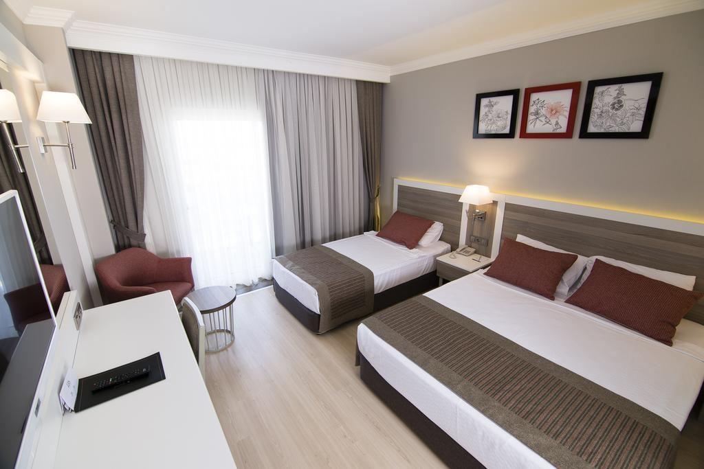 Port River Hotel & Spa, фото