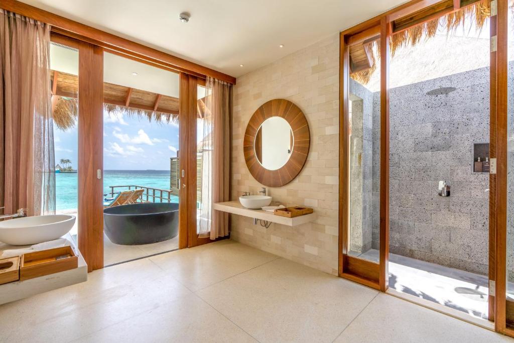 Furaveri Island Resort Мальдіви ціни