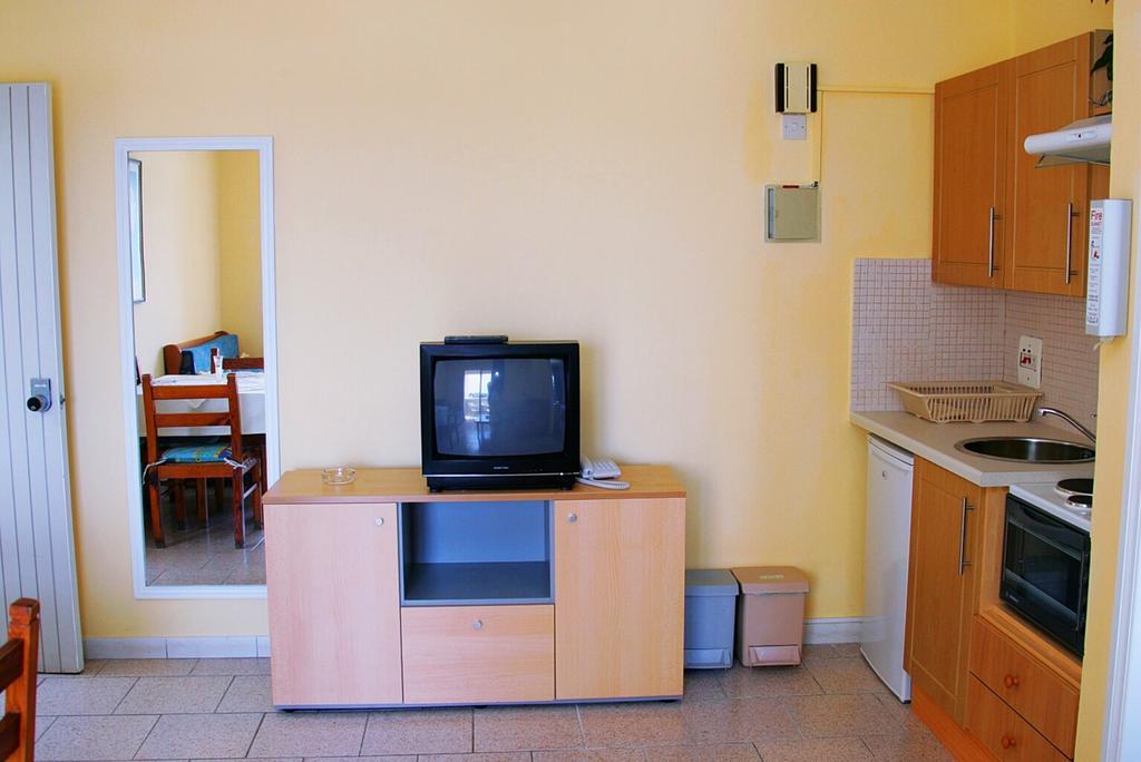 Кипр Daphne Hotel Apartments