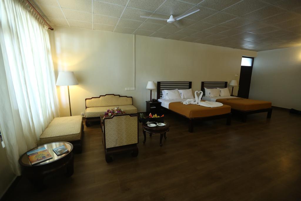 Горящие туры в отель Hikkaduwa Beach Хиккадува Шри-Ланка
