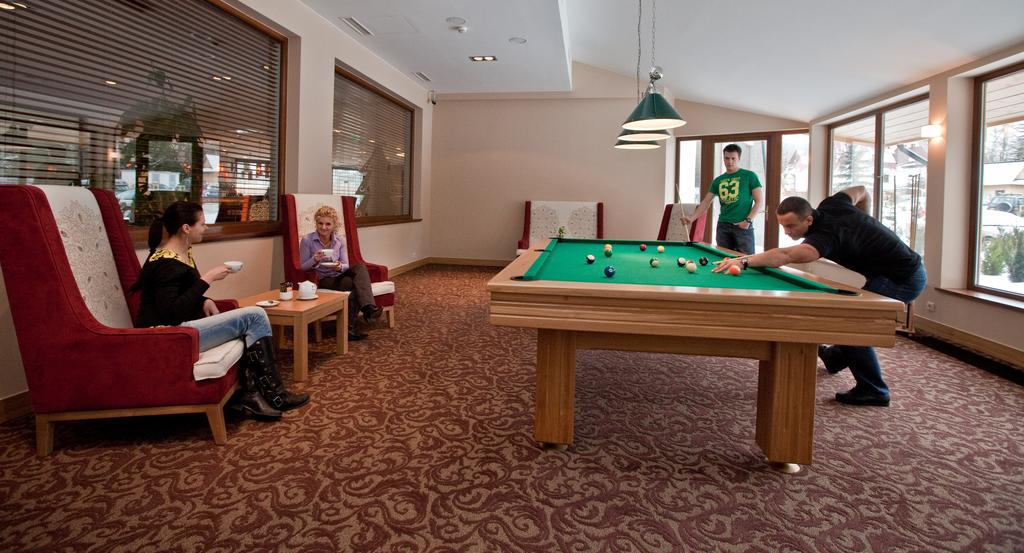 Ціни в готелі Grand Nosalowy Dwor Hotel