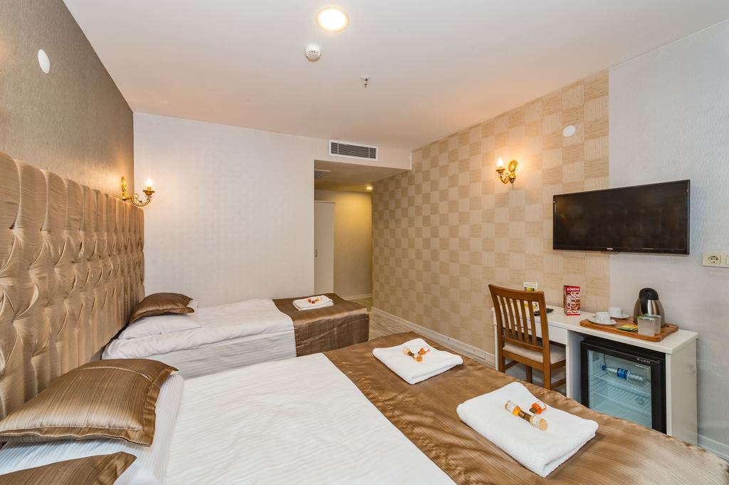 Цены в отеле Grand Pamir Hotel