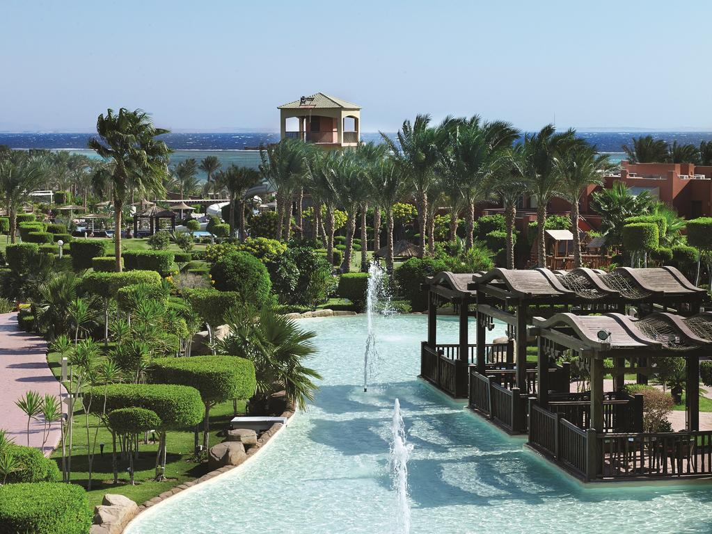 Відгуки туристів Coral Sea Holiday Resort