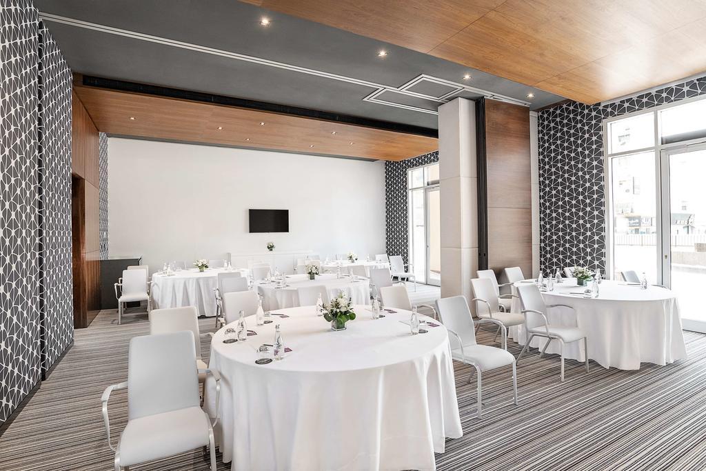 Горящие туры в отель Hyatt Place Dubai Wasl District.