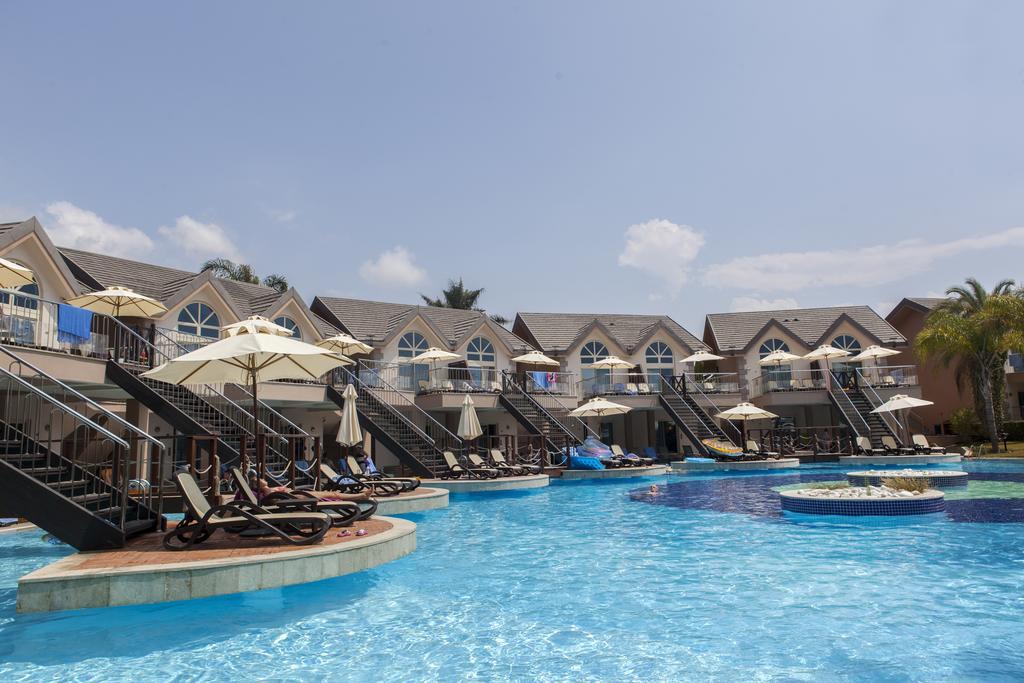 Ціни в готелі Long Beach Resort Hotel & Spa