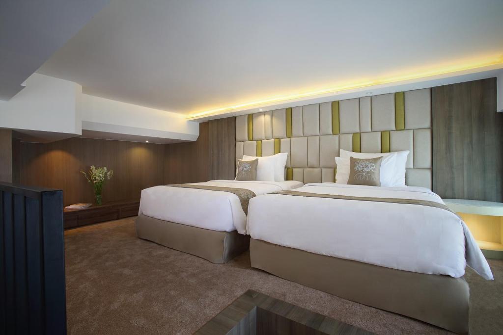 Отзывы об отеле The Crystal Luxury Bay Resort