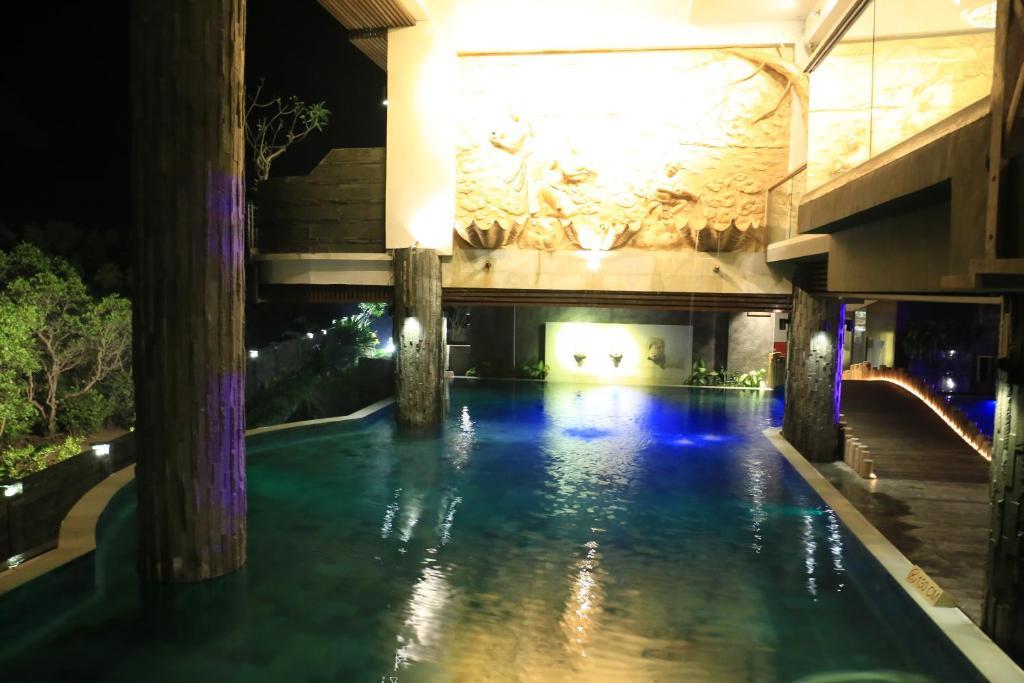 Отзывы туристов, The Crystal Luxury Bay Resort