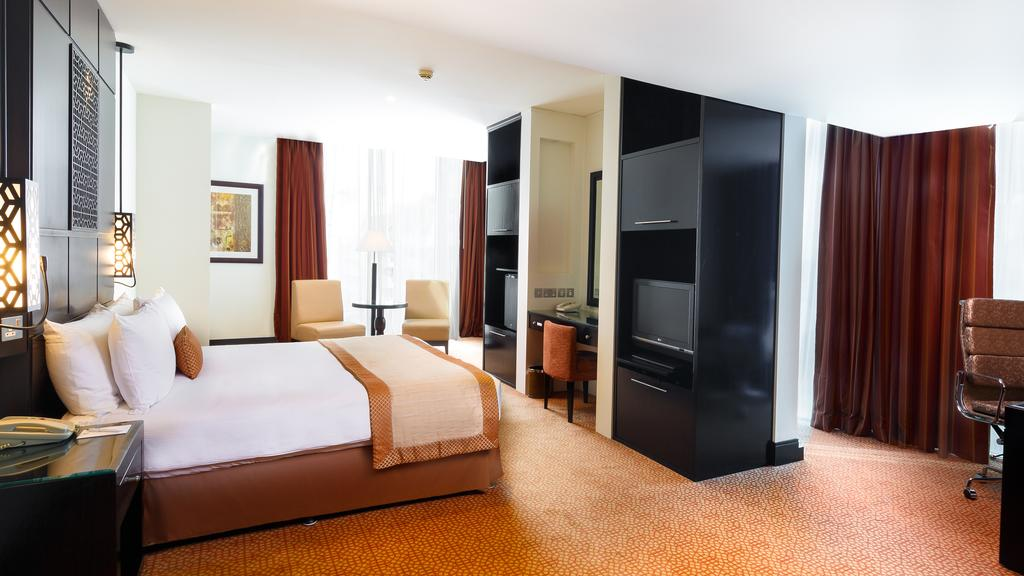 Горящие туры в отель Holiday Inn Al Barsha