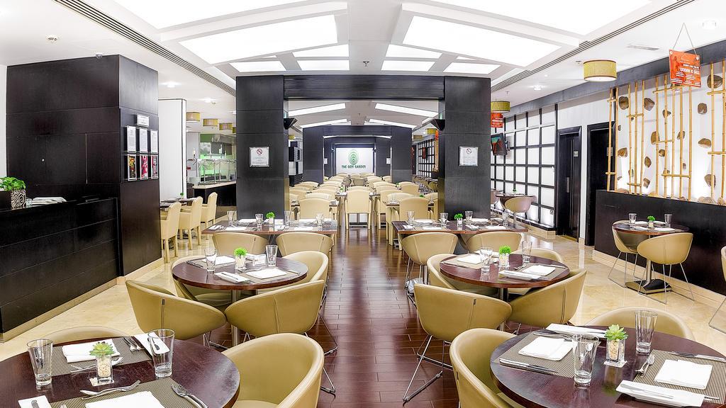 Дубай (город), Holiday Inn Al Barsha, 4