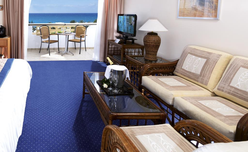Кипр Constantinou Bros Athena Royal Beach Hotel