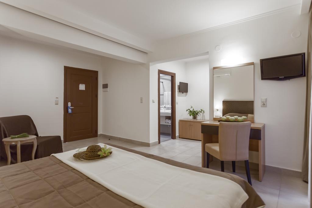 Lagomandra Beach Hotel, Сітонія