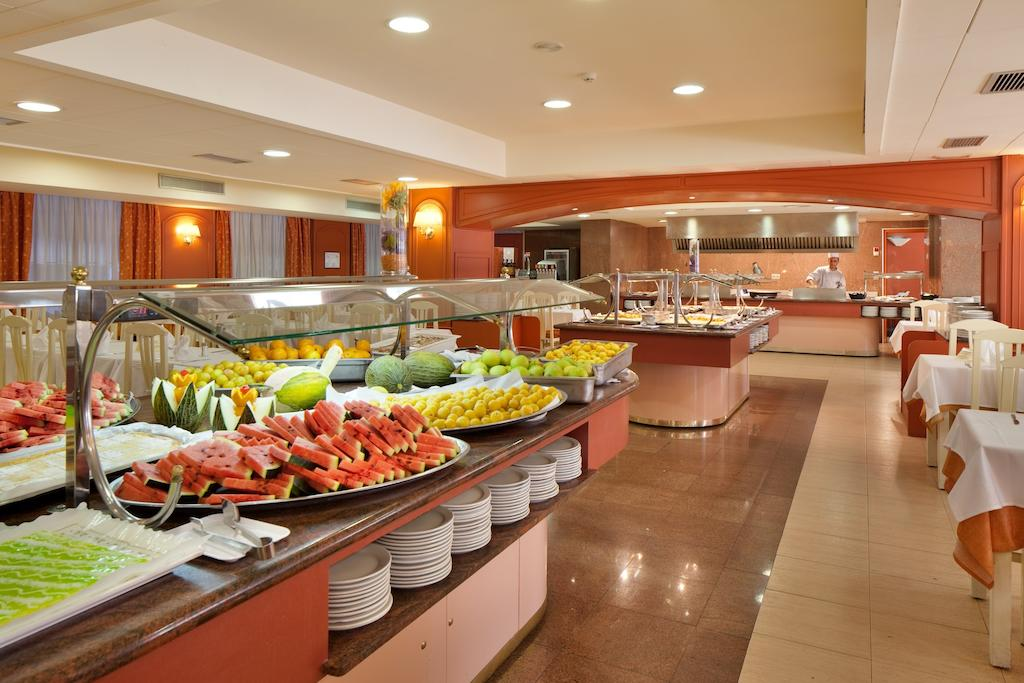 Отдых в отеле H·top Calella Palace Коста-де-Барселона-Маресме Испания
