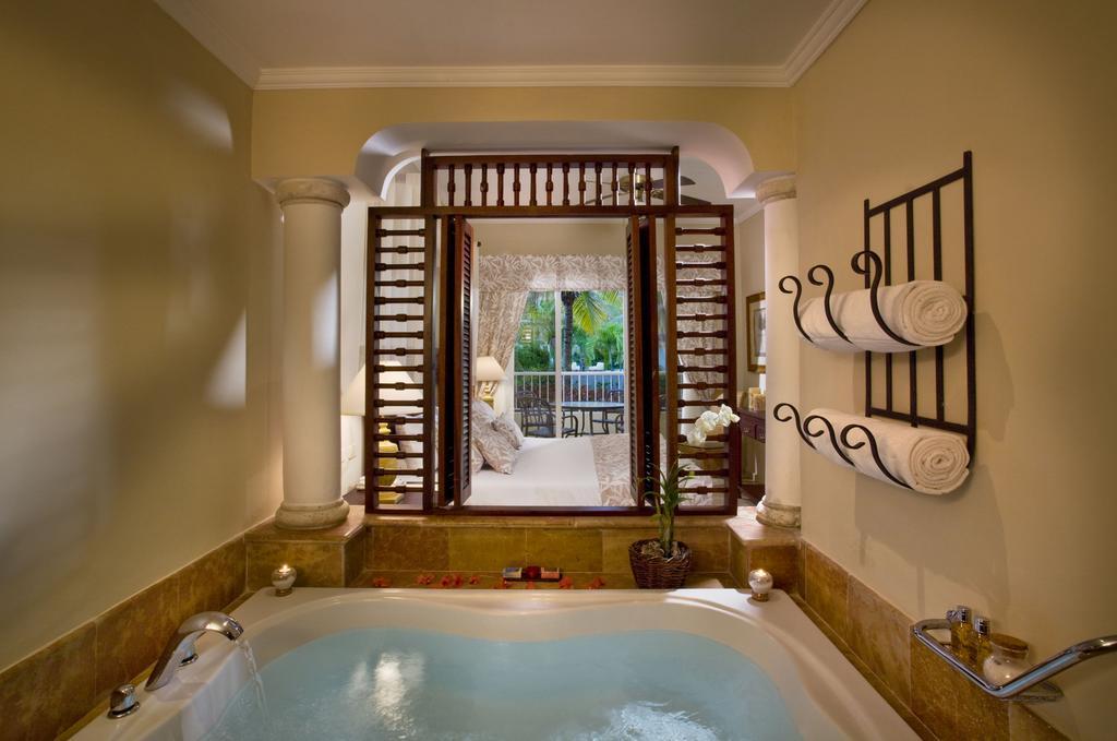 Відпочинок в готелі Melia Caribe Beach Resort (ex. Melia Caribe Tropical)