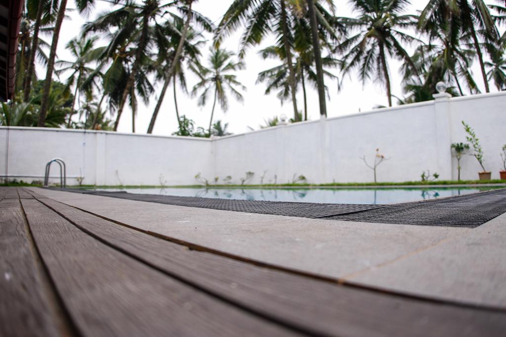 Хиккадува Serenity Villa