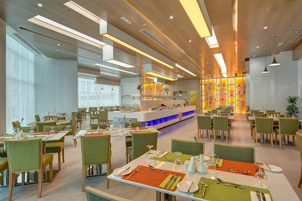 Дубай (город), Al Khoory Atrium Hotel, 4