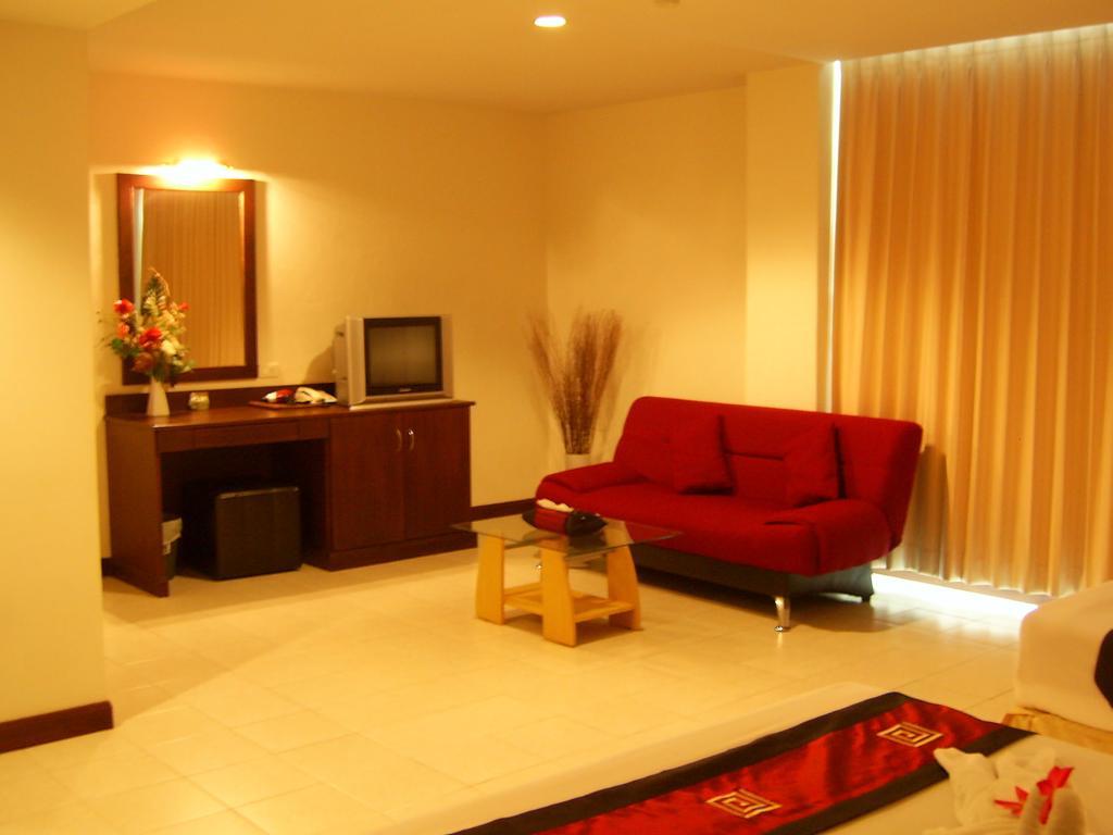 Crown Pattaya Hotel, Таиланд, Паттайя, туры, фото и отзывы