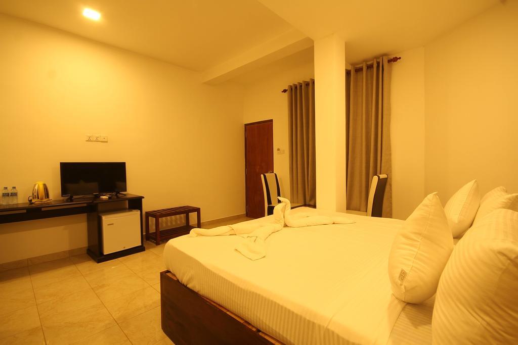 Rock Fort Beach Resort, Шри-Ланка