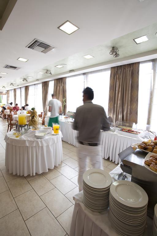 Горящие туры в отель Golden City Афины