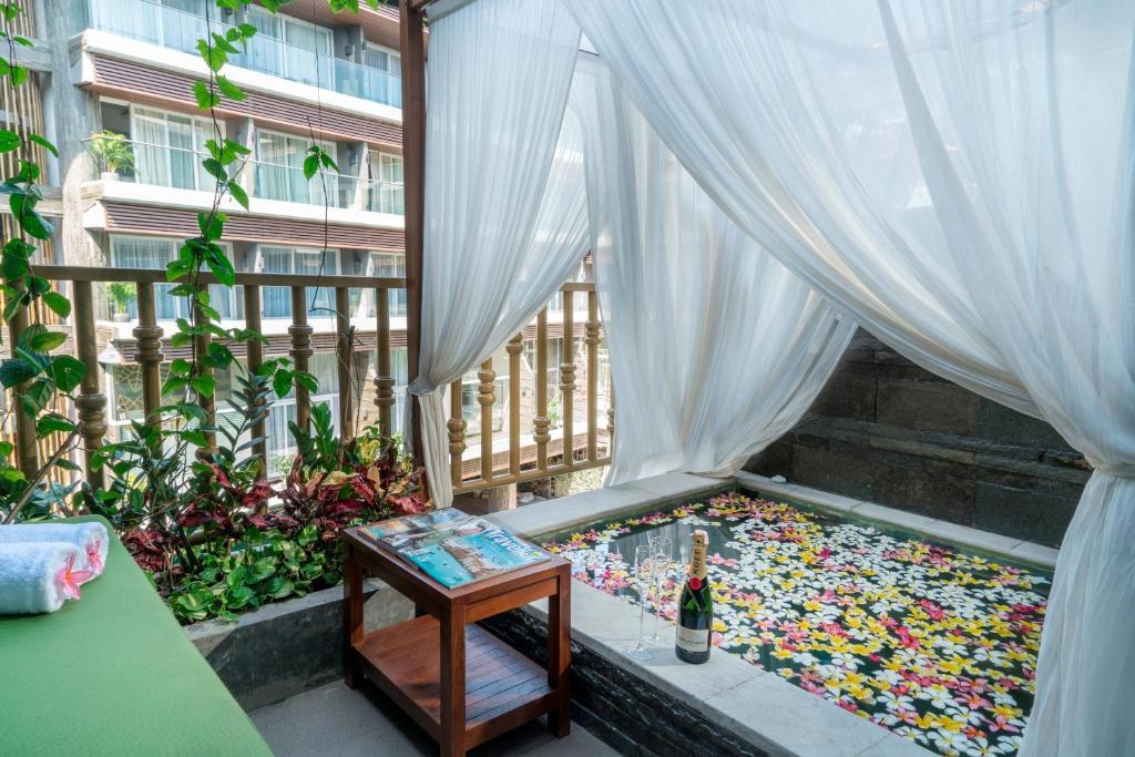 The Crystal Luxury Bay Resort, фотографии