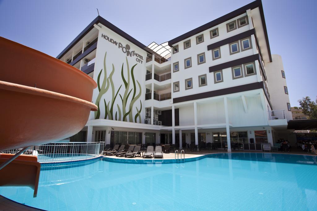 Holiday City Hotel, фотограції туристів