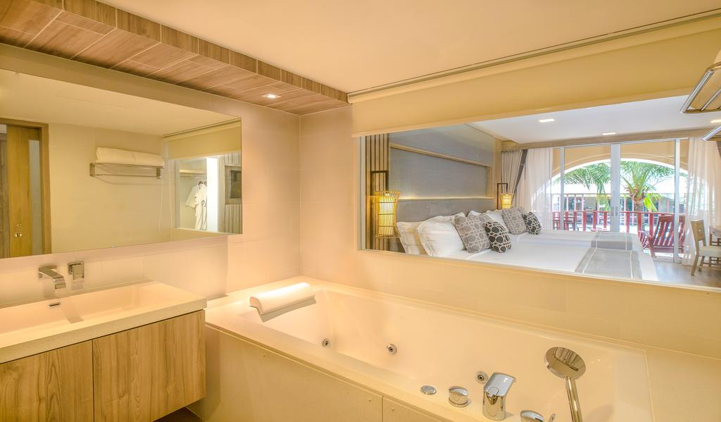 Ціни в готелі Phuket Graceland Resort & Spa