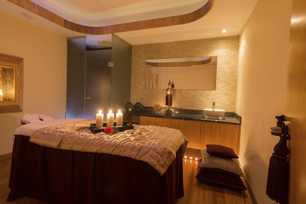 Горящие туры в отель Constantinou Bros Athena Royal Beach Hotel