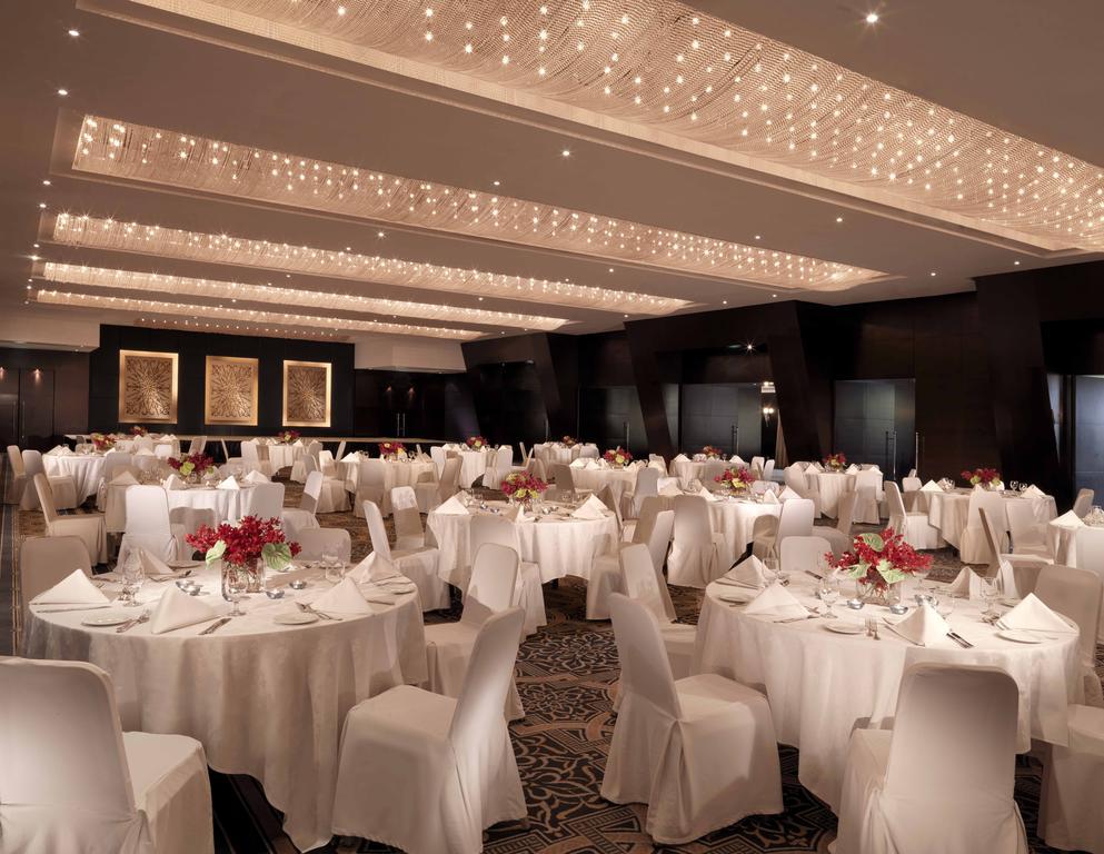 Відгуки про готелі Radisson Blu Resort Sharjah