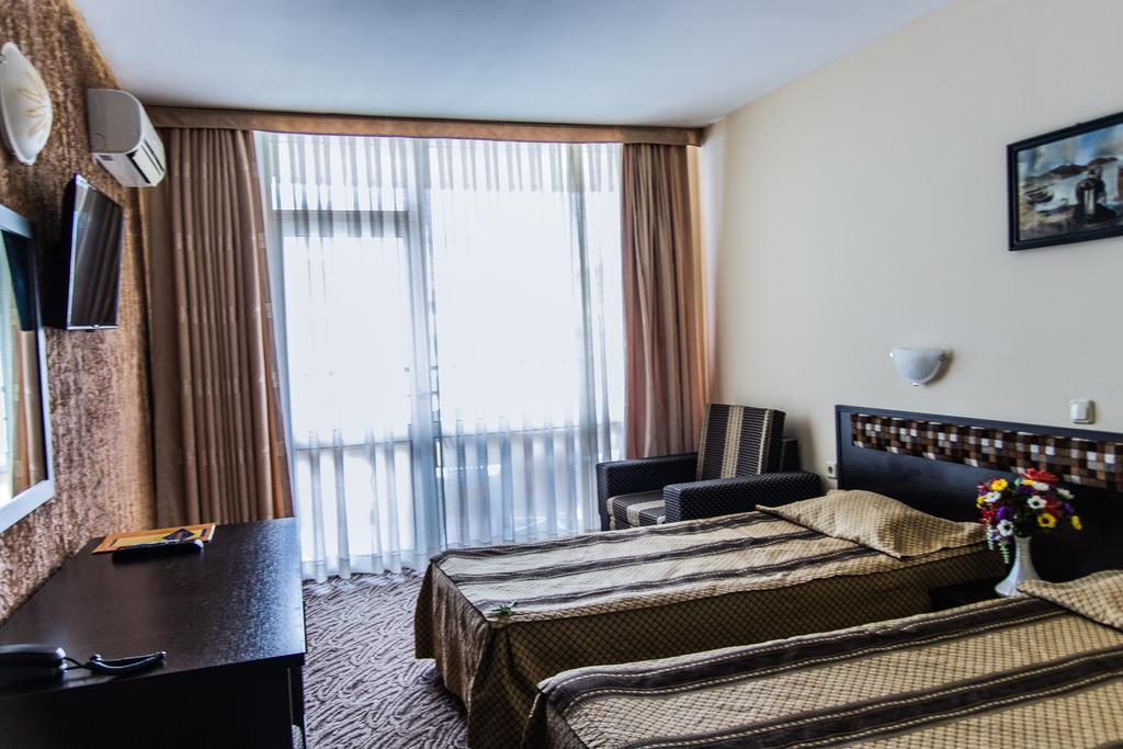 Горящие туры в отель Amaris