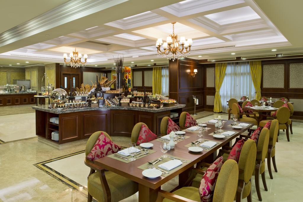 Фото готелю Warwick Doha