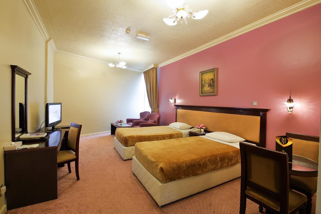 Горящие туры в отель Al Bustan Hotel Sharjah Шарджа