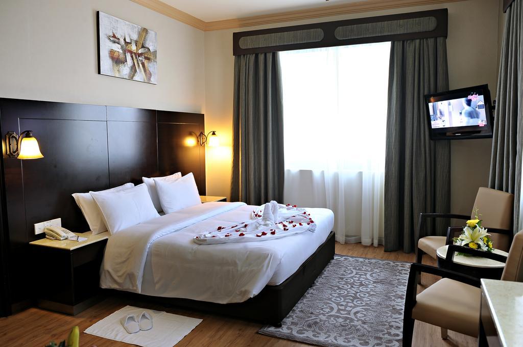 Signature Inn Hotel Al Riqqa, Дубай (город)