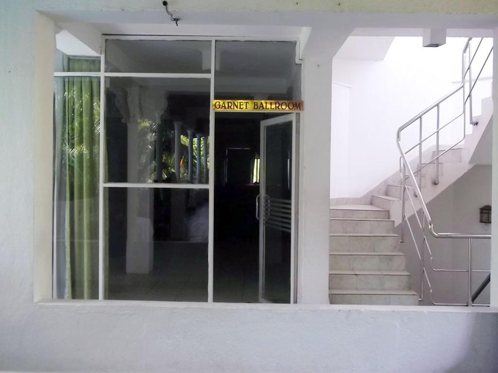 The White Haven Hotel - Panadura (Budget) цена