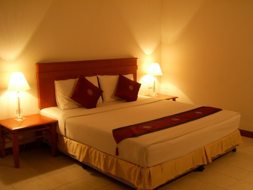 Горящие туры в отель Crown Pattaya Hotel Паттайя Таиланд