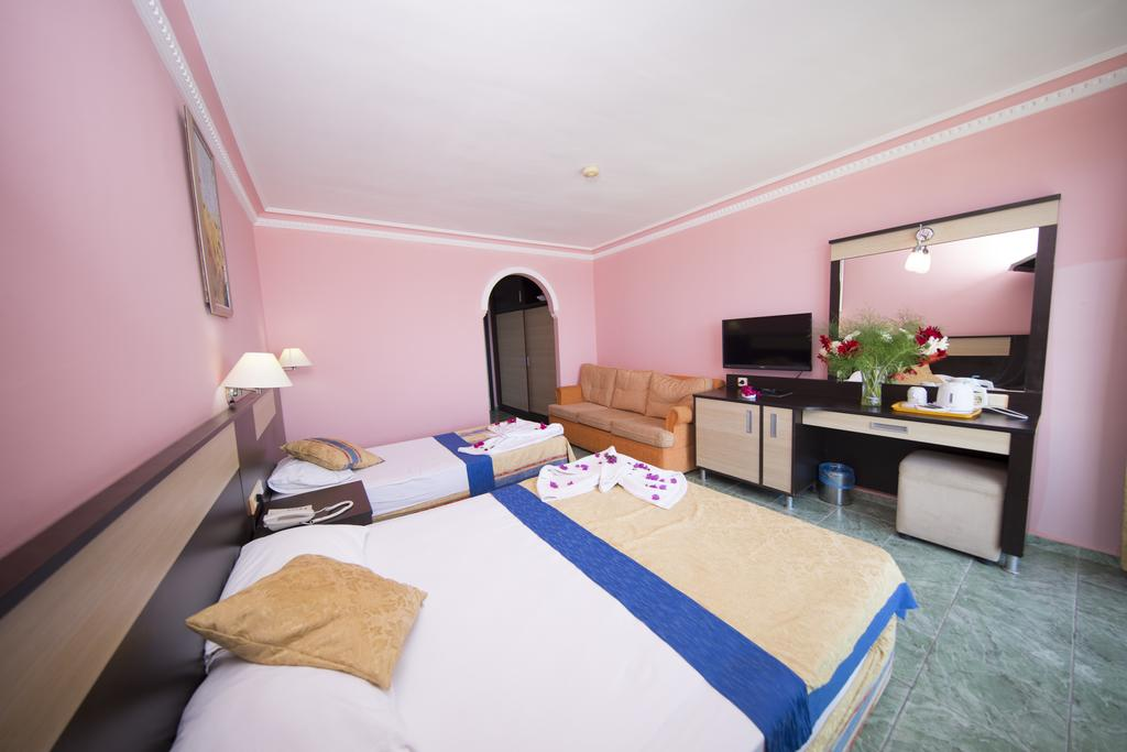 First Class Hotel цена