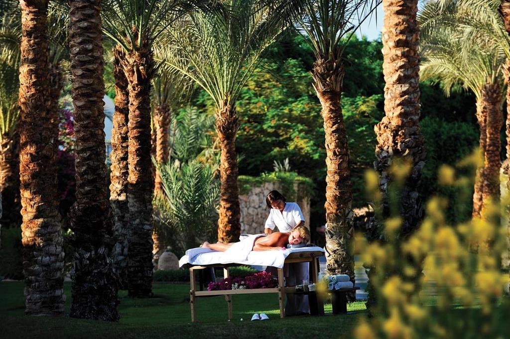 Горящие туры в отель Reef Oasis Beach Resort