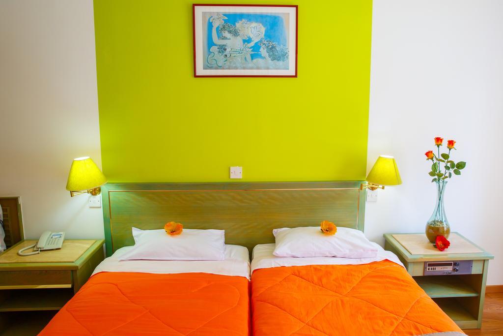Отдых в отеле Lobelia Park Beach Annex Лимассол