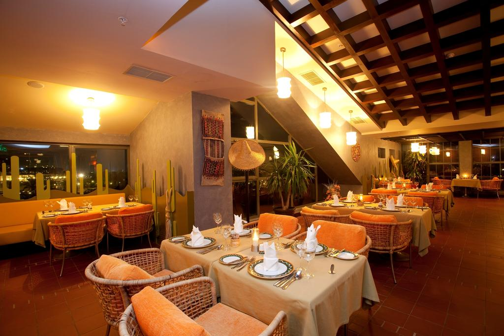 Limak Lara De Luxe Hotel & Resort, Туреччина