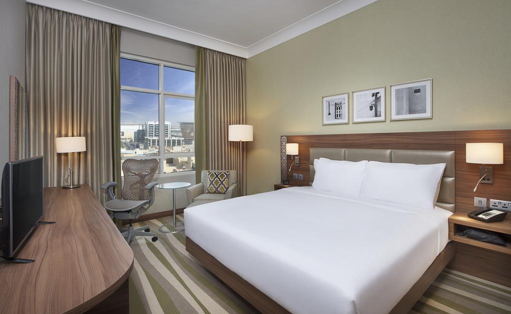 Отзывы об отеле Hilton Garden Inn Dubai Al Muraqabat