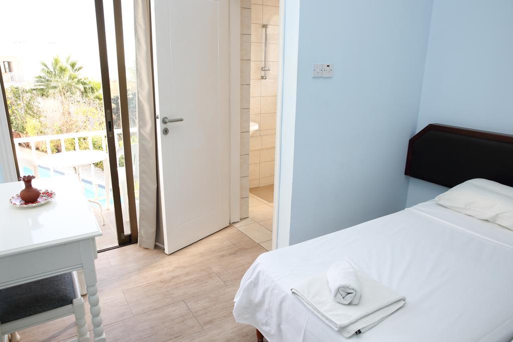 Отдых в отеле Antonis G Hotel Apartments Ларнака